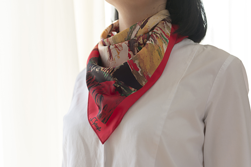 "Square neck scarf ""Confession""- img. 2"