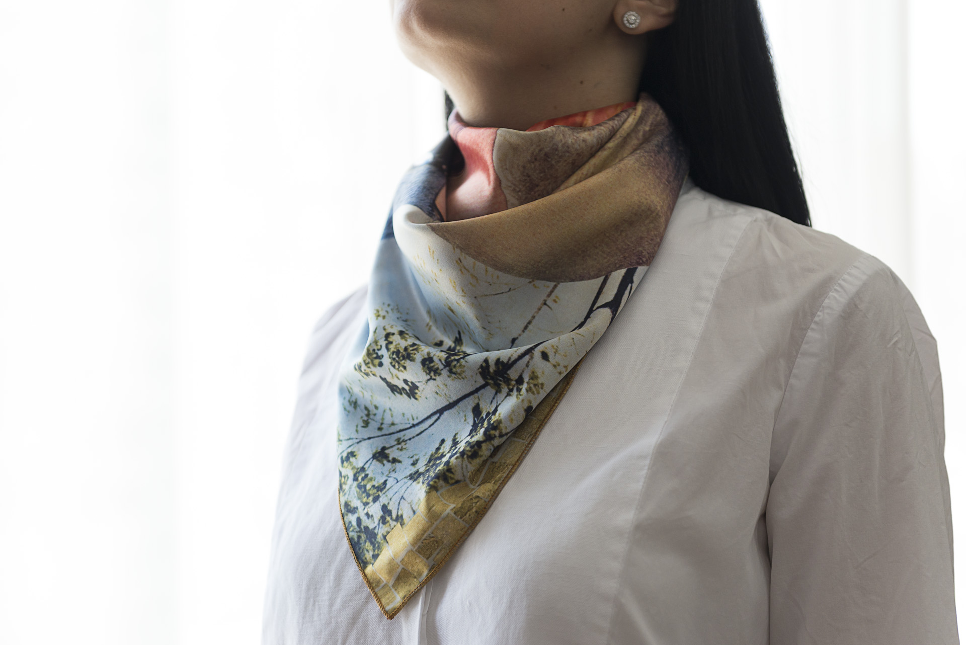 "Silk scarf ""Variation with shell on themes by Pinturicchio and Raphael""- img. 2"